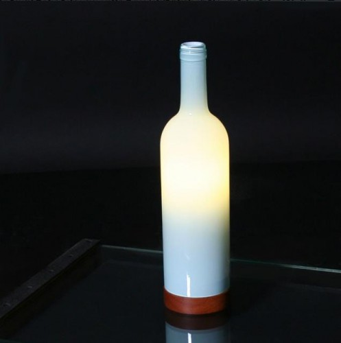 high-quality Upcycling Table Lamp illustris+