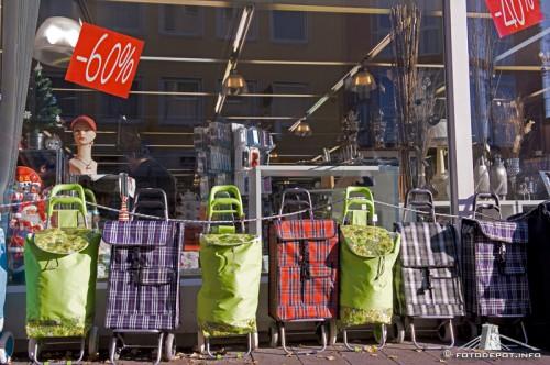 Christmas: Contemplation or senseless shopping marathon?